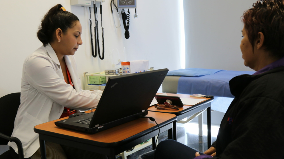 Conexión Social Digitel y Venezuela sin Límites contra el cáncer de mama